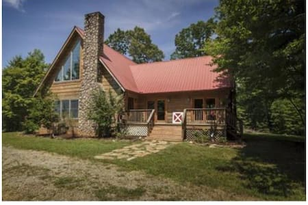 Beautiful log cabin hidden oasis - Mebane - 一軒家