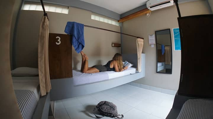 Compass Divers Three bed dorm running hot water