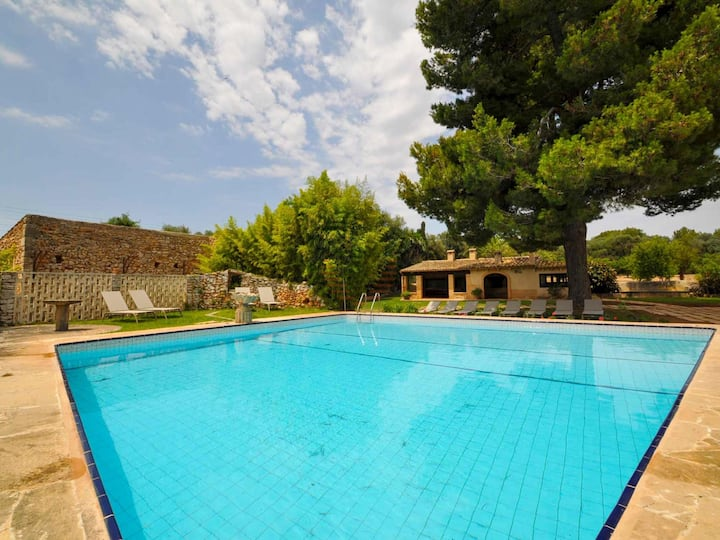 Can Cirerol, spacious house with pool in Porto Colom, Mallorca
