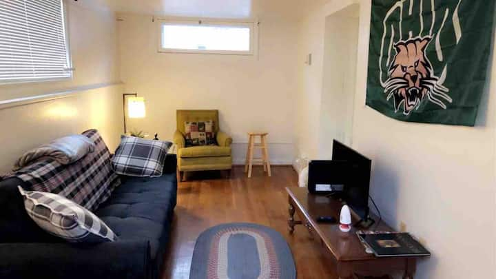 Cozy Uptown apartment minutes from OU's campus