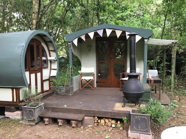 Rosa - Gypsy Pod and Summer House