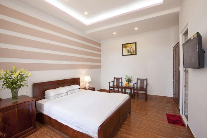 Cool Couple Room with Cheapest Rate