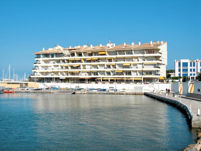Apartment Port Escala for 2 persons