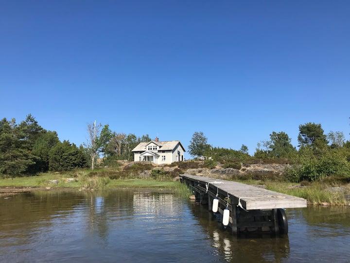 Island house +boat/Lake Vänern - Paradise