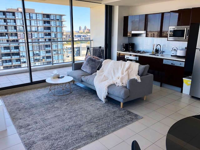 Spacious apartment w/huge balcony & secure parking