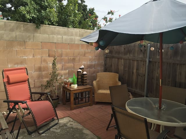 Beautiful & Cozy Studio Apartment - La Crescenta-Montrose - Byt