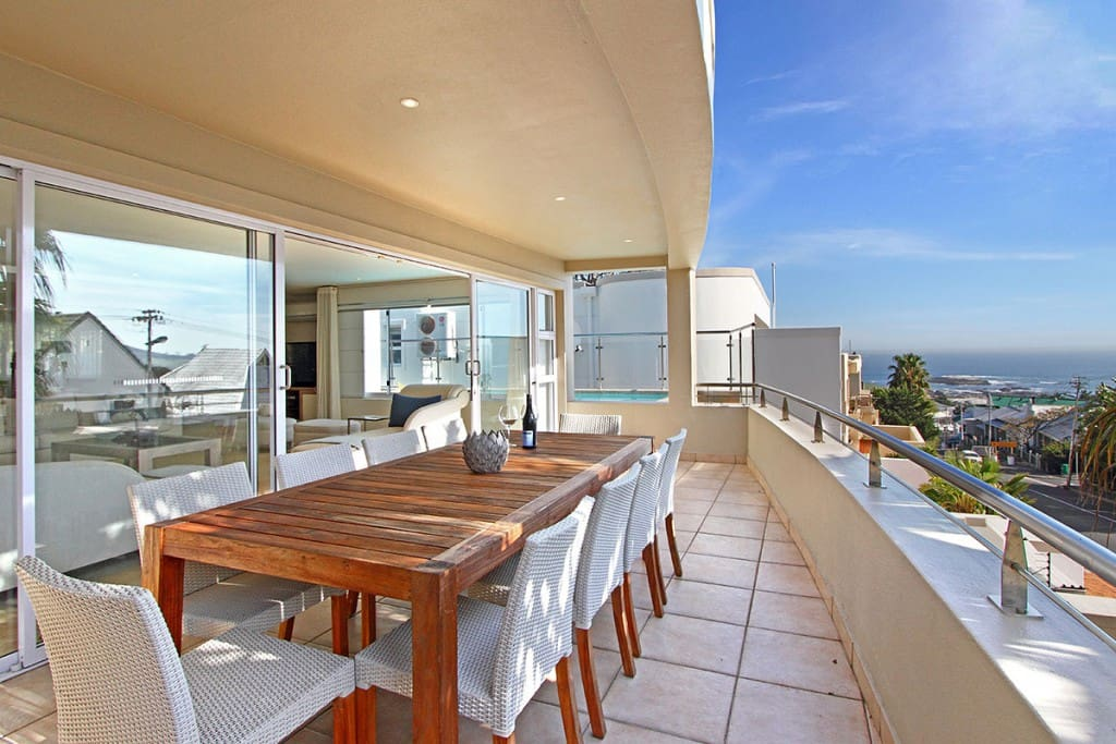 Balcony with BBQ and Infinity Pool, Sea View