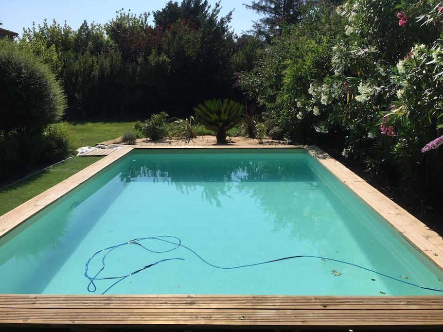 Villa jardin spa proche avignon appartamenti in affitto for Entretien jardin villeneuve les avignon