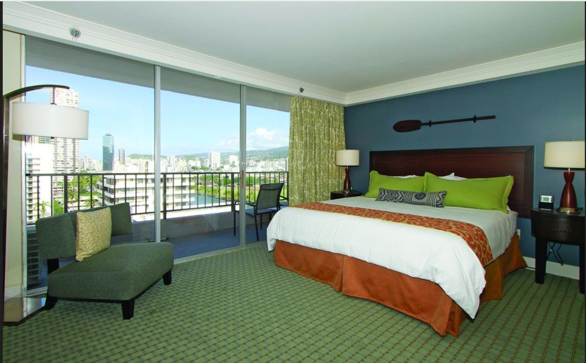 Great Luxury Suite At Wyndham Royal Garden At Waikiki   Condominiums For Rent In  Honolulu, Hawaii, United States Ideas