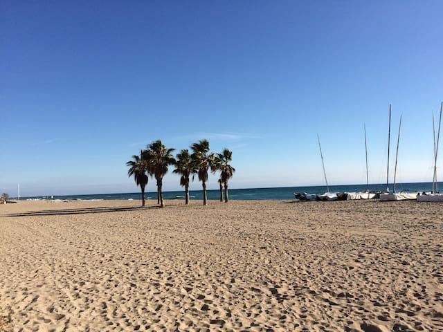 Wifi. Calafell beach apartment! Playa de Calafell