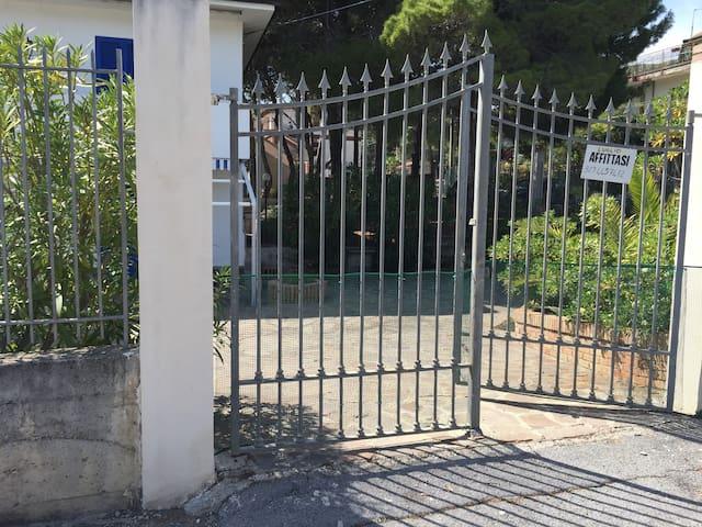 Appartamento con giardino - Castellabate - House