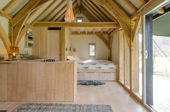 Beautiful Oak cabin