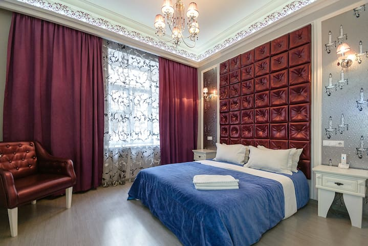 Modern quiet junior suite with shower ID184