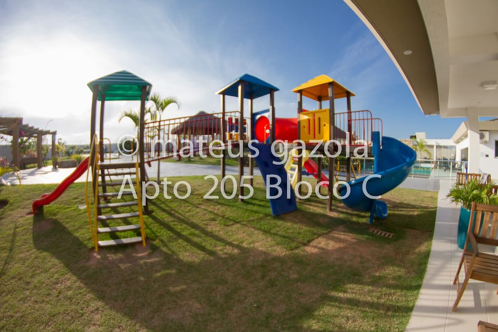 Área externa para crianças.