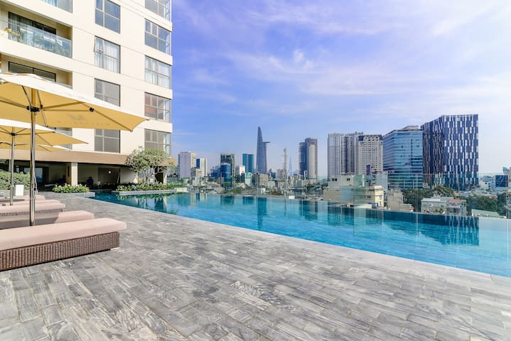 Luxury Saigon Home ⭐  Infinity Pool with city view