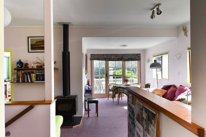 Muriwai Beach, top floor haven