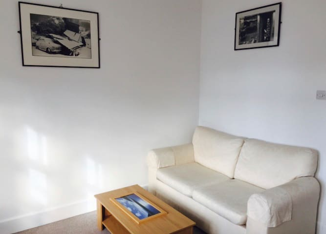 1 bedroom flat South Kensington great location