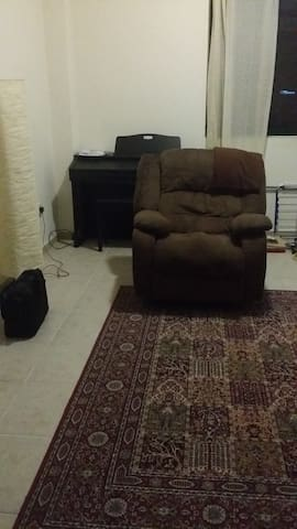 One bedroom apartment next to metro station - Dubai - Apartmen