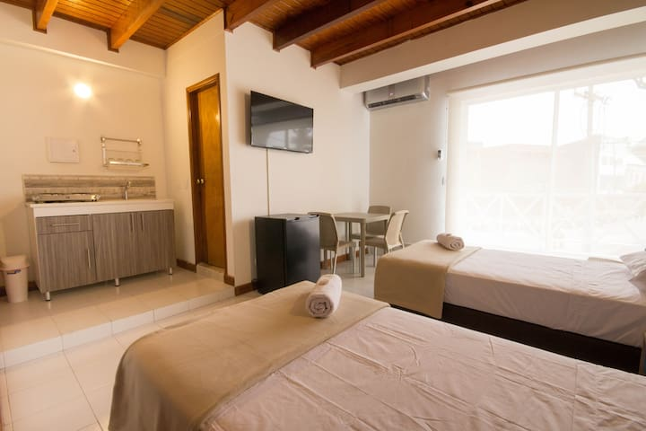 Queena Reef Double Room (5 min from the beach)
