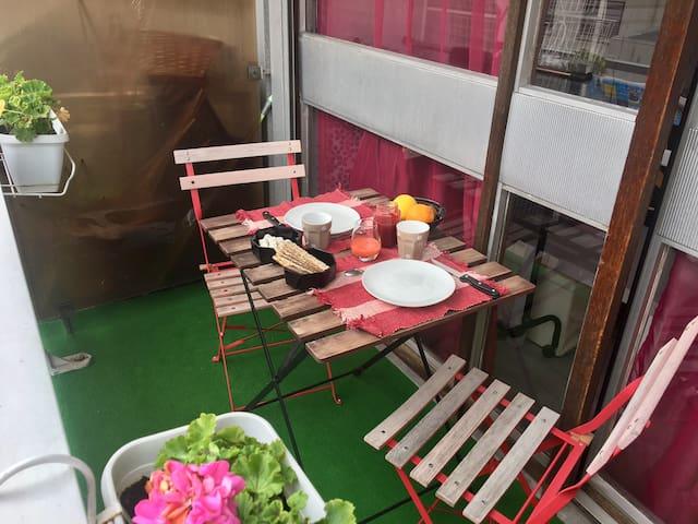 Petit studio calme et ensoleillé proche de Paris