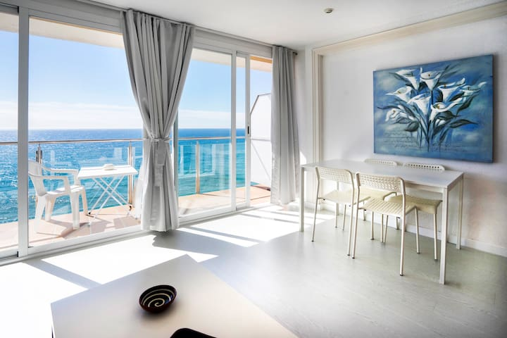 GARBI LLORET BEACHFRONT, FREE WiFi - Lloret de Mar - Condominium