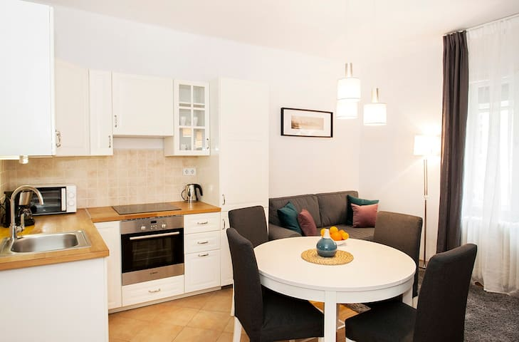 CHRISTINE- 2 BEDROOMS APARTMENT IN THE DOWNTOWN.