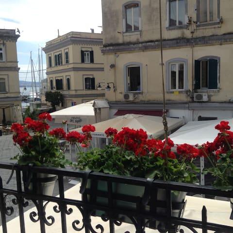 """Casa del sole"" al Borgo Marinari"