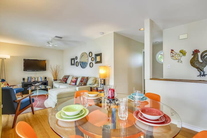 SHIPYARD TREASURE Bright+Colorful, Family+Couples, Shared Pool, Walk to Duval