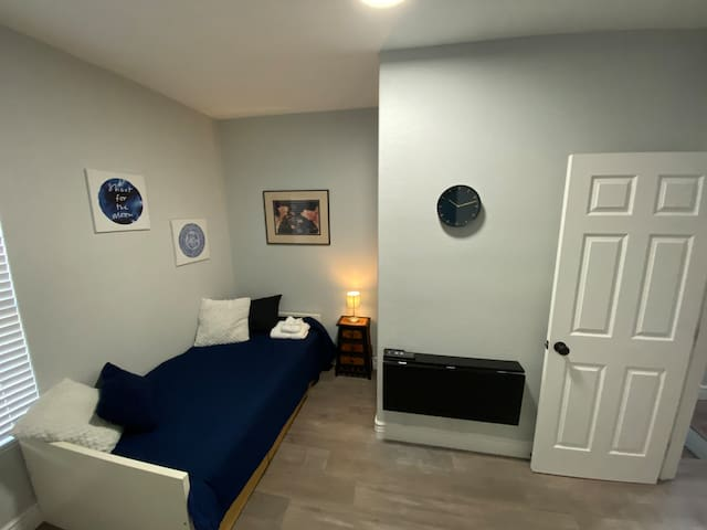 Comfortable and Private Room with Lock!