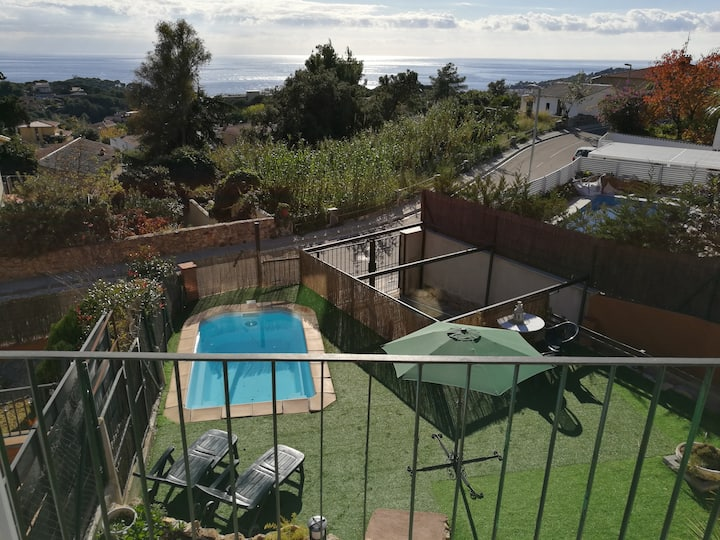 Private pool with garden, bbq and sea views