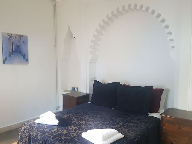 Double room with balcony  in a lovely guest house