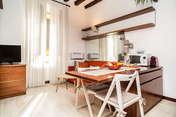 LIVING MILAN - FIORI CHIARI (Phone number hidden by Airbnb) CIM (Phone number hidden by Airbnb)