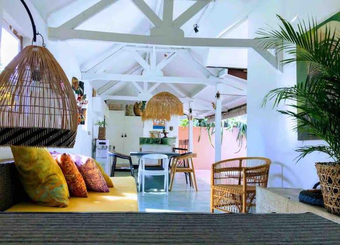ArtHouse+ Pool UBUD centre 2 bedrooms +yoga space