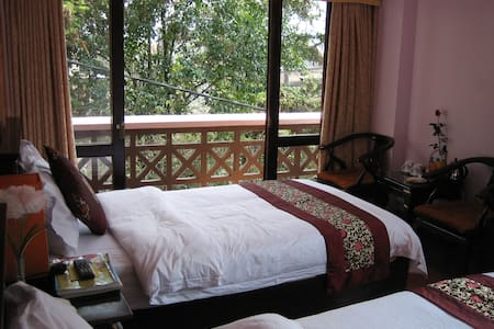 Special Balcony Room in Lao Cai - サパ