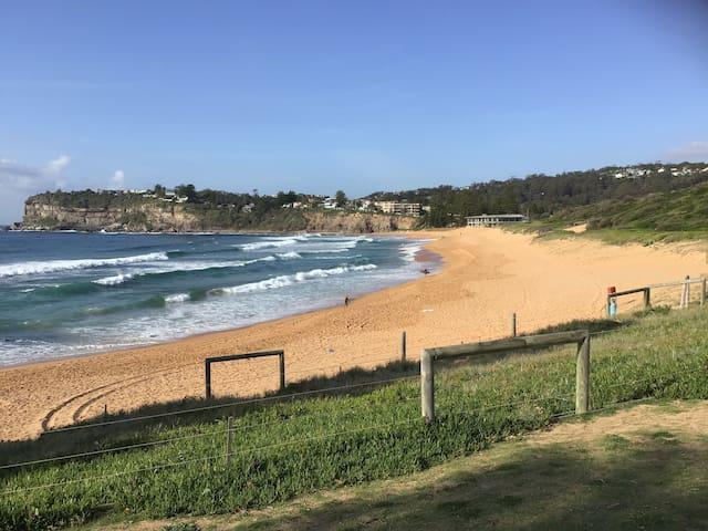 Avalon Beach - less than 10 minutes walk