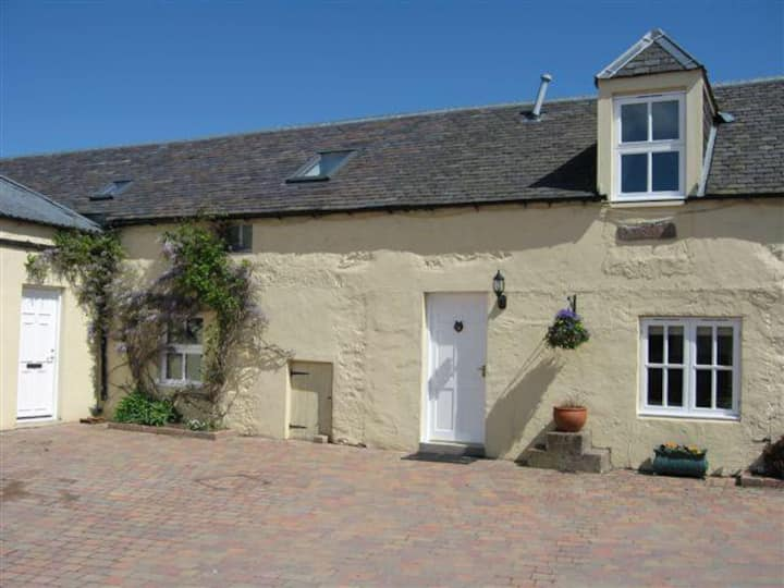 Cosy country holiday cottage near Blairgowrie