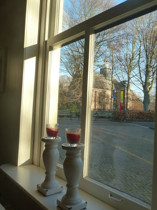 Uitzicht op de Slotkapel vanaf de ontbijtkamer