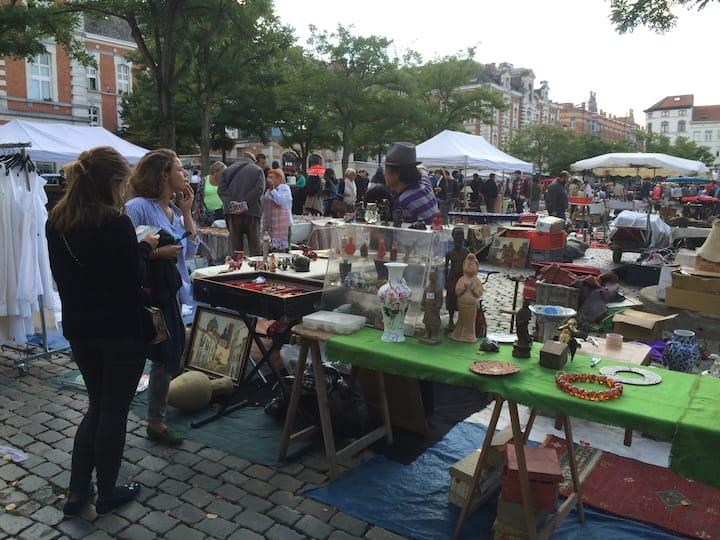 Overlooking the Flea Market Square