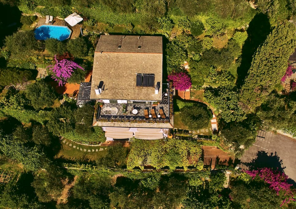 Villa Sant'Uberto as seen from above.