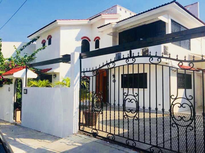 Hermosa Casa Habitación en Fracc Privado