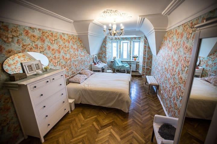 Tsar Bedroom