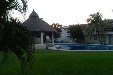 Bonita casa en Acapulco para vacacionar - Acapulco - Hus