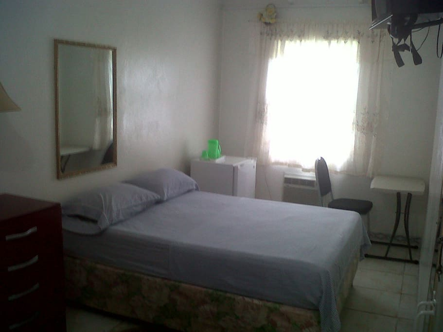 Single / Couple Room . Double Bed