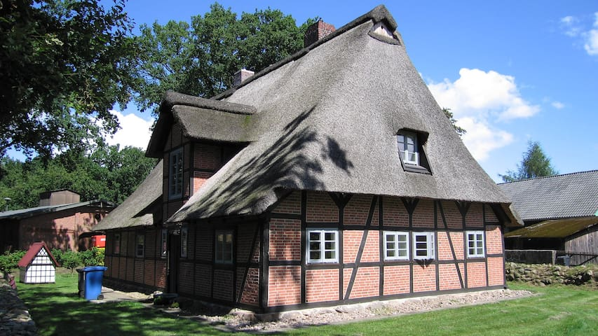 Cottage in the Lueneburg Heath - Jesteburg - Casa
