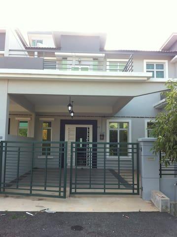 Homestay AL-Fattaah Krubong Jaya