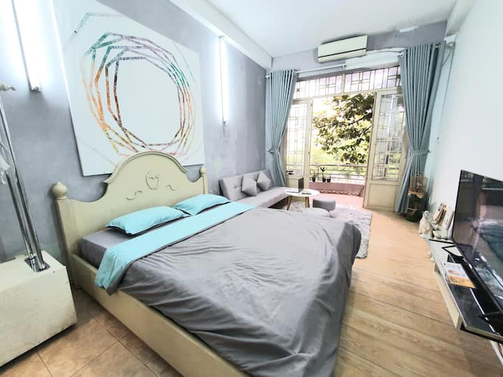 D3- Balcony Room ⭐River view⭐near BEN THANH mkt.