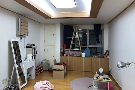 Anyang. Pyeongchon st. 1min. Clean House. - Anyang-si