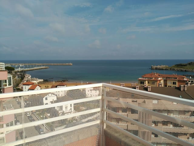 Precioso ático frente a la playa - Castro Urdiales