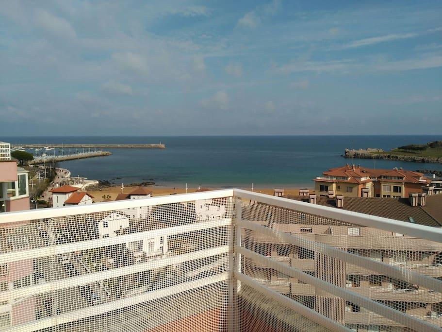 Precioso tico frente a la playa apartamentos en alquiler en castro urdiales cantabria espa a - Apartamentos en cantabria playa ...