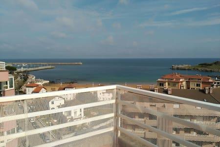 Precioso ático frente a la playa - Castro Urdiales - Pis